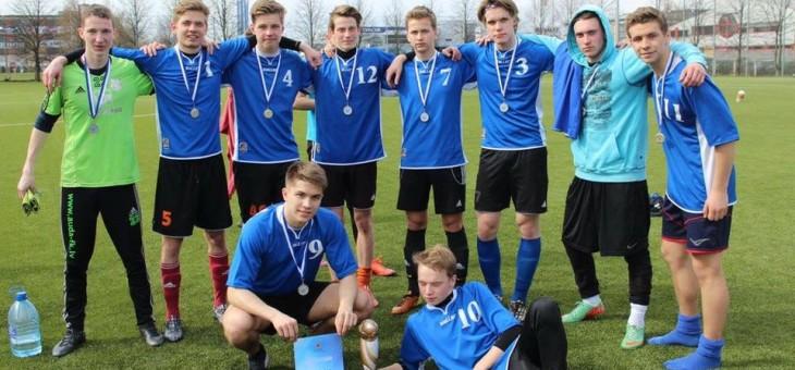 Apsveicam Rīgas Valsts 1. ģimnāzijas futbola komandu ar uzvaru Rīgas skolu finālsacensībās  vecāko klašu grupā.