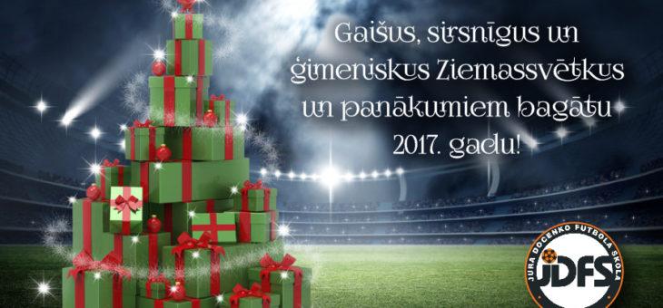 Gaišus, sirsnīgus un ģimeniskus Ziemassvētkus!